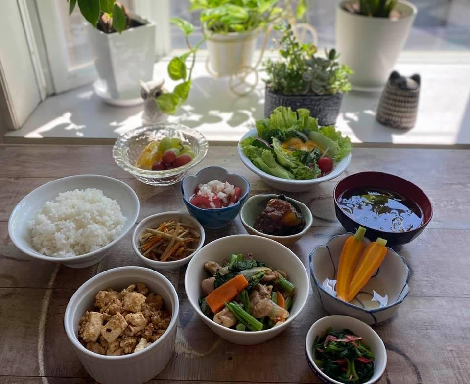 5月7日のアルバルク東京の選手にお持ちしているお食事。鶏肉とのらぼう菜の香味炒め