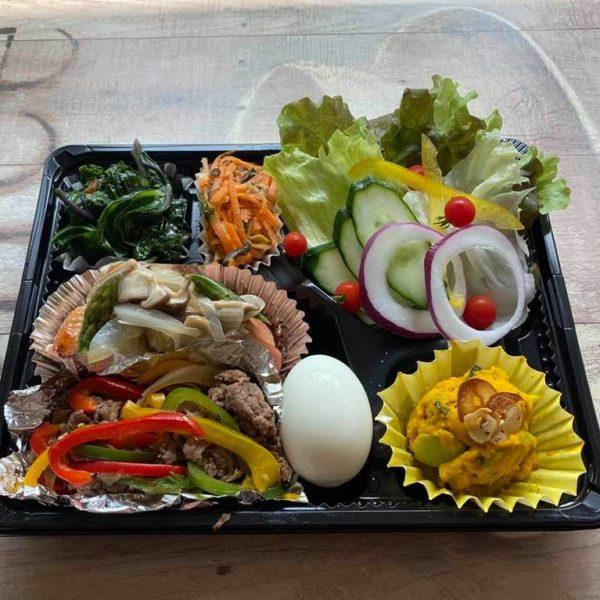 5月13日の元気な体をつくるお弁当。プルコギ、チキングリルきのこソースなど